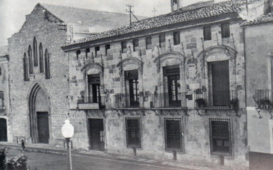 1983 EL ASILO