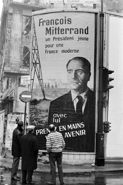 carteles en la calles de Francia