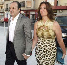Ri ante el juzgado de Alicantepoll y su esposa