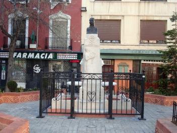 Monumento al teniente Hernandez Menor en Villena, actal