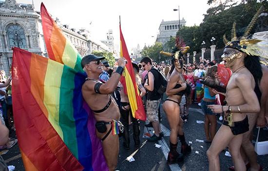 Orgullo_Gay-2008__-550x352