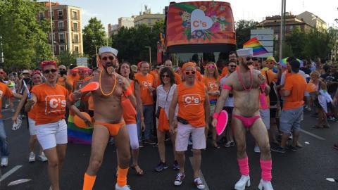 orgullo_gay_ciudadanos-_exhibicionismo_2